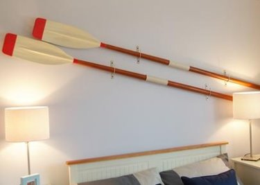 decorating with wooden oars you can be very creative