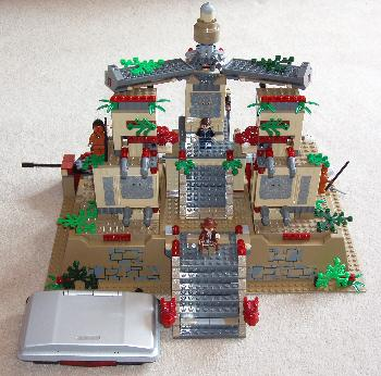 LEGO Indiana Jones Kingdom of the Crystal Skull front view.