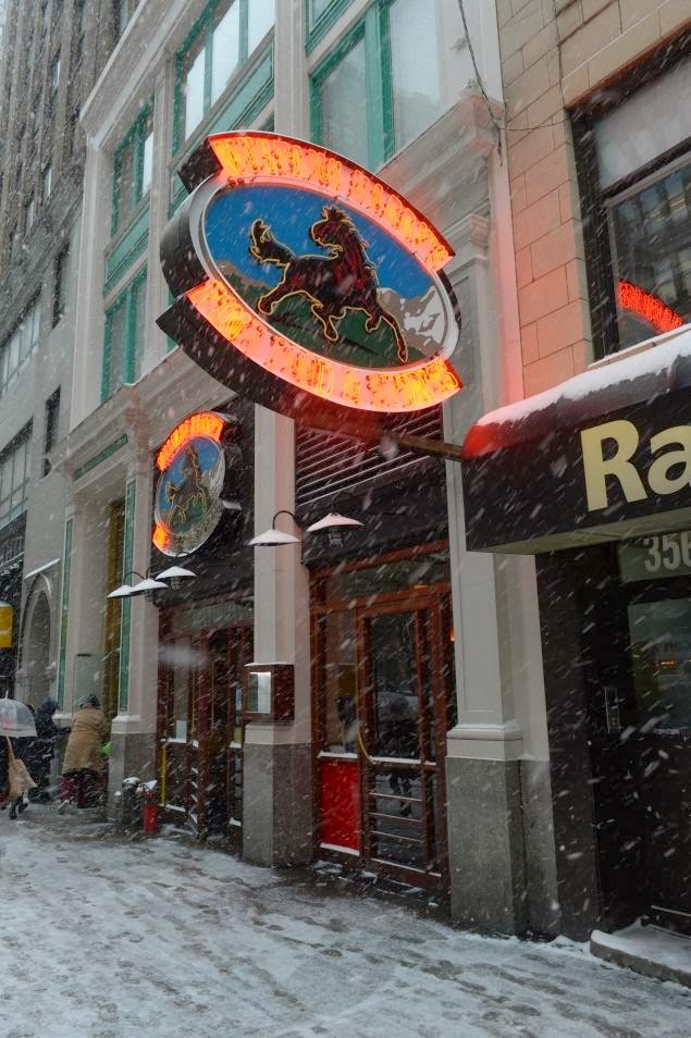 Mustang Harry S Bar Restaurant