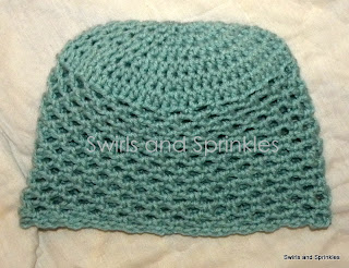 Swirls and Sprinkles: free crochet breath of spring adult size hat pattern.