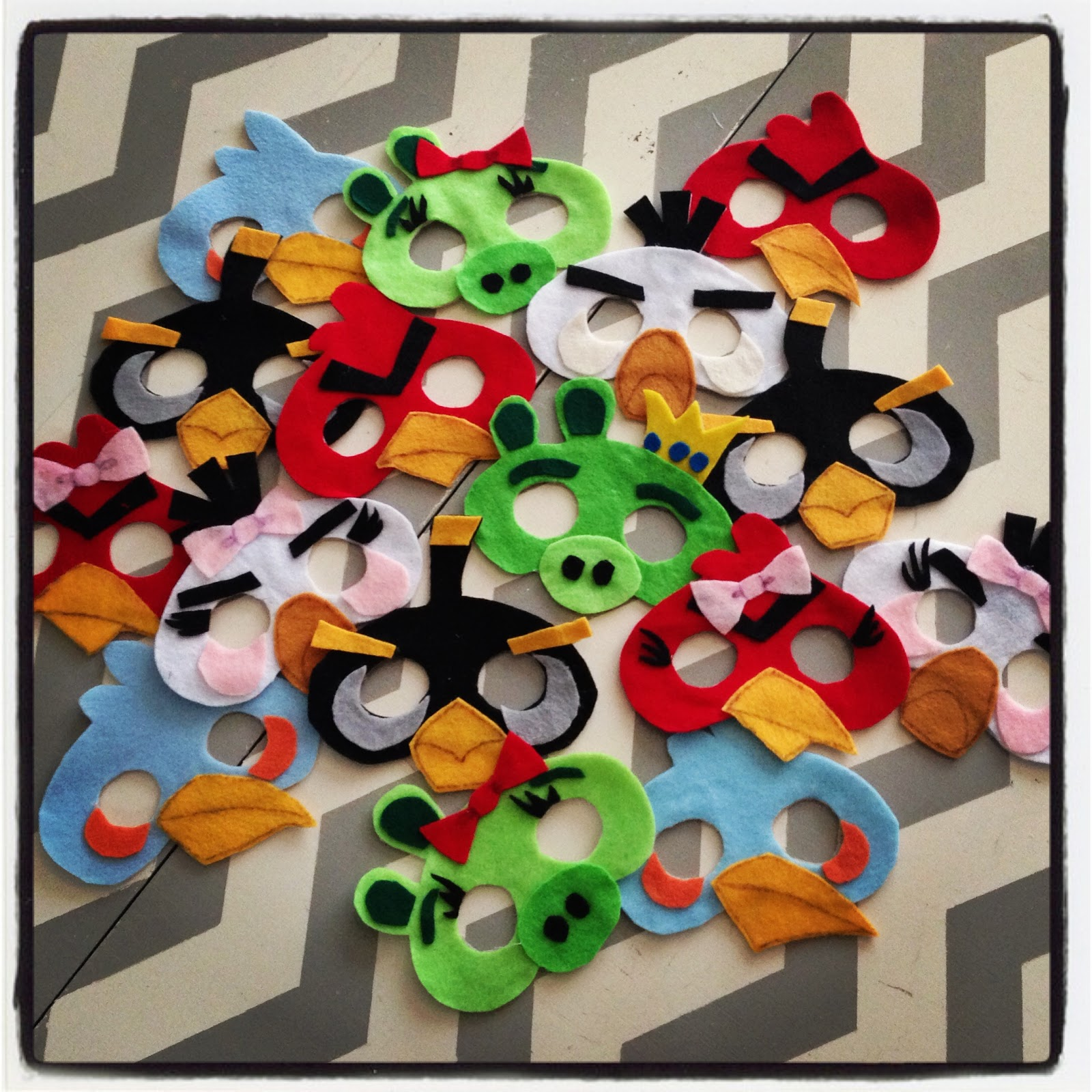 3 little things no sew angry birds masks - Angry birds trio ...