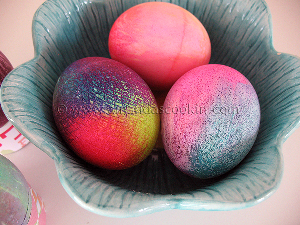 ... Dye Easter Eggs: how to make beautiful tie dye colored Easter eggs