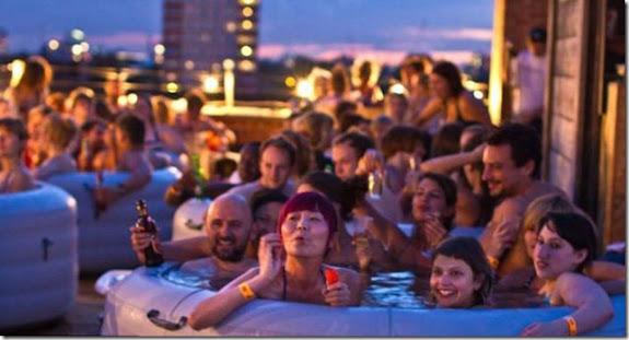 Cinematograful neobisnuit pe acoperisul unei cladiri din Londra