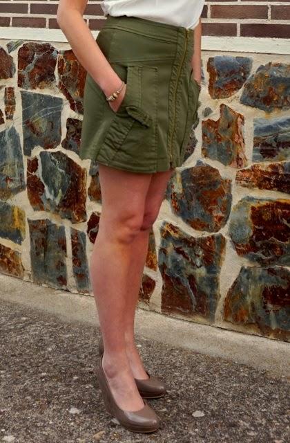 Falda militar bolsillos