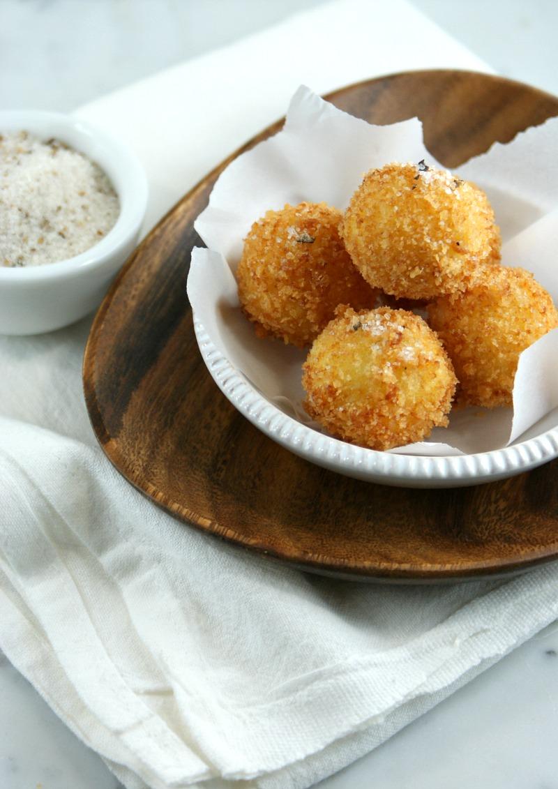 ... Suburban Gourmet: Friday Night Bites | Fried Mozzarella Balls