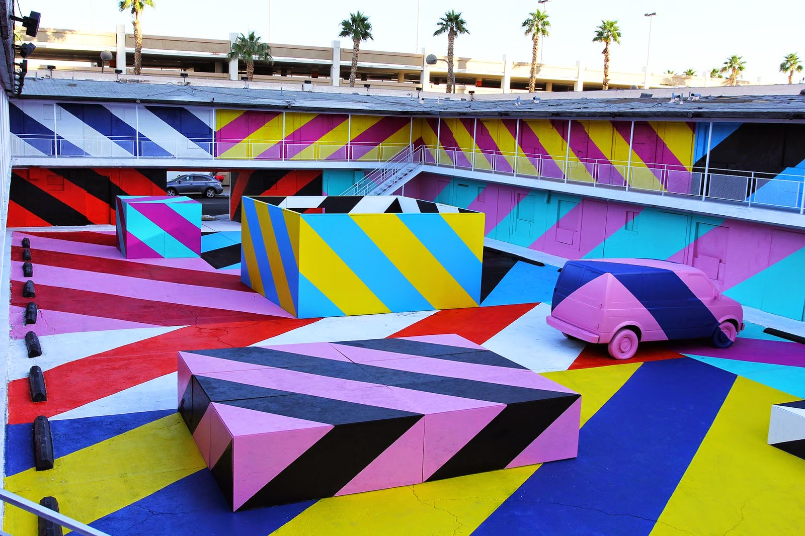 After more than a week of work and more than 50 gallons of paint, Maser just wrapped up the #MASERMOTEL in downtown Las Vegas with JustKids and Life Is Beautiful.