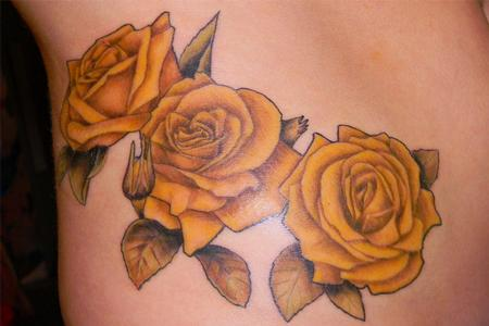 Signification De La Rose En Tatouage - Tatouage de rose old school symbolique des roses et tattoo