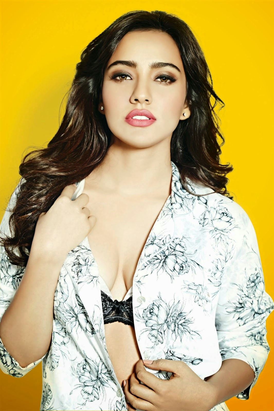 Neha-Sharma-cleavage-in-FHM-India-magazine-photo-shoot-2014