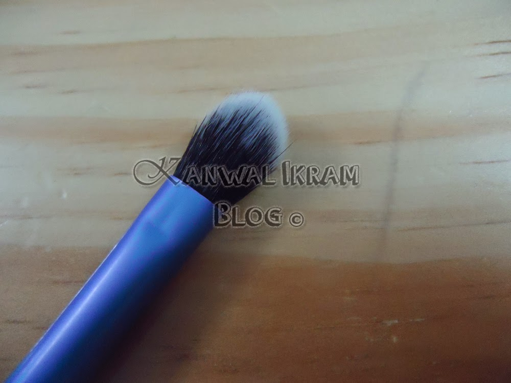 Real Techniques Eyes Starter Set-Base Shadow Brush