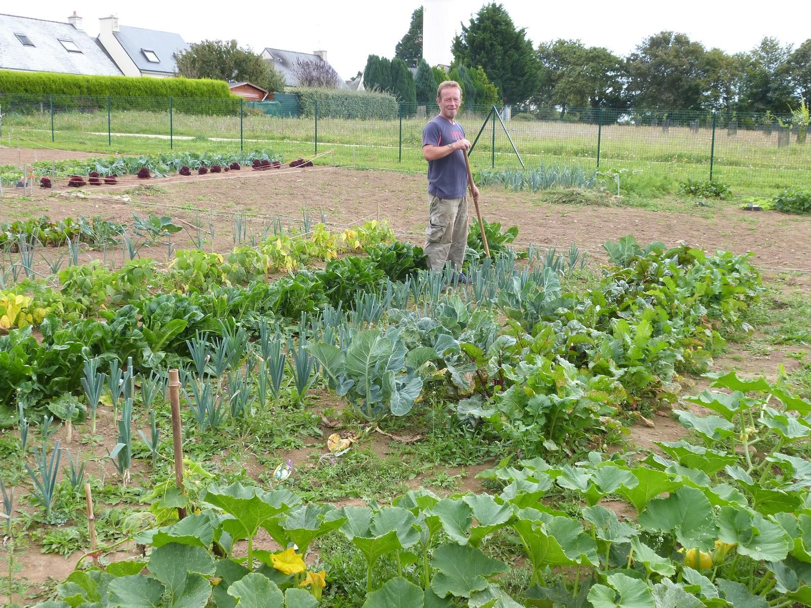 Les jardins familiaux de feunteun don l 39 cole au jardin for Jardin familiaux