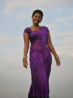 Anjali photos from SVSC Vana Chinukulu Song-cover-photo