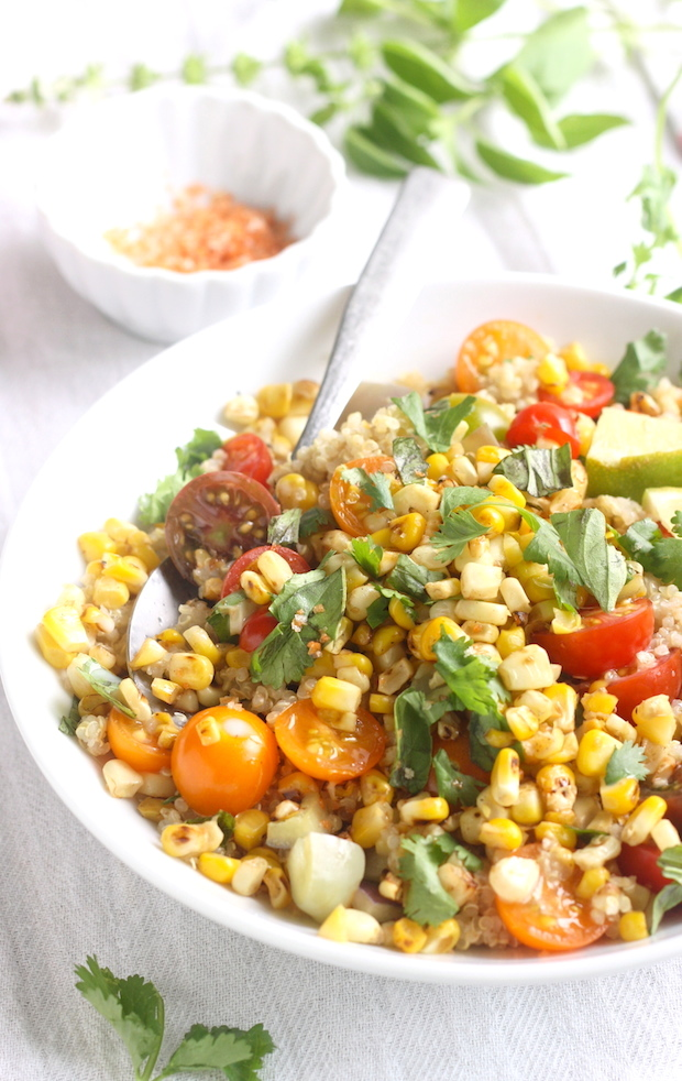 Charred Sweet Corn & Tomato Quinoa Salad recipe by SeasonWithSpice.com