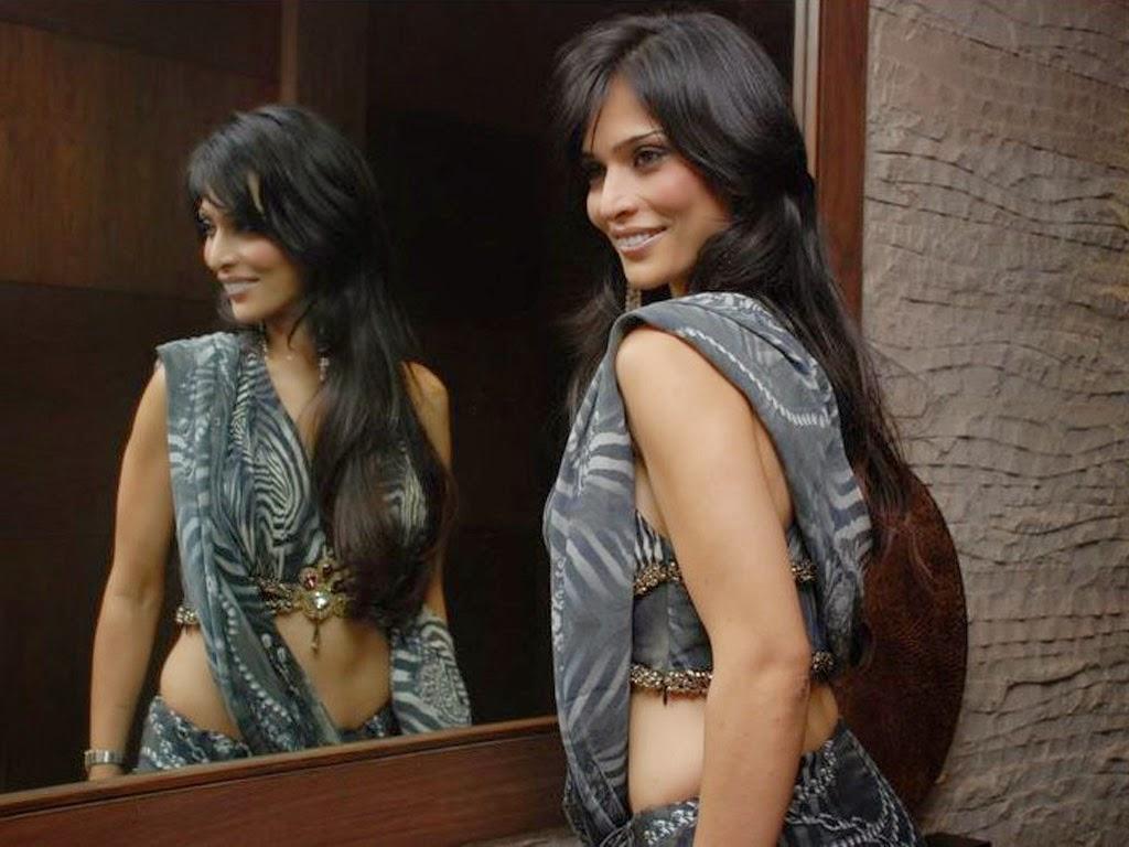 Anupama Verma Latest Hot Pics In Saree unseen Rare HD Hot Pics