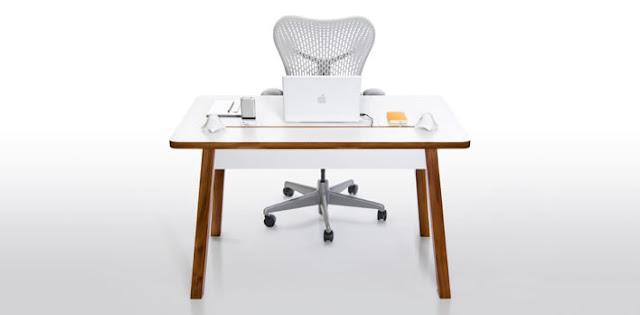 Комп'ютерний стіл StudioDesk вигляд ззаду