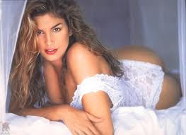 cindy crawford breast exposed