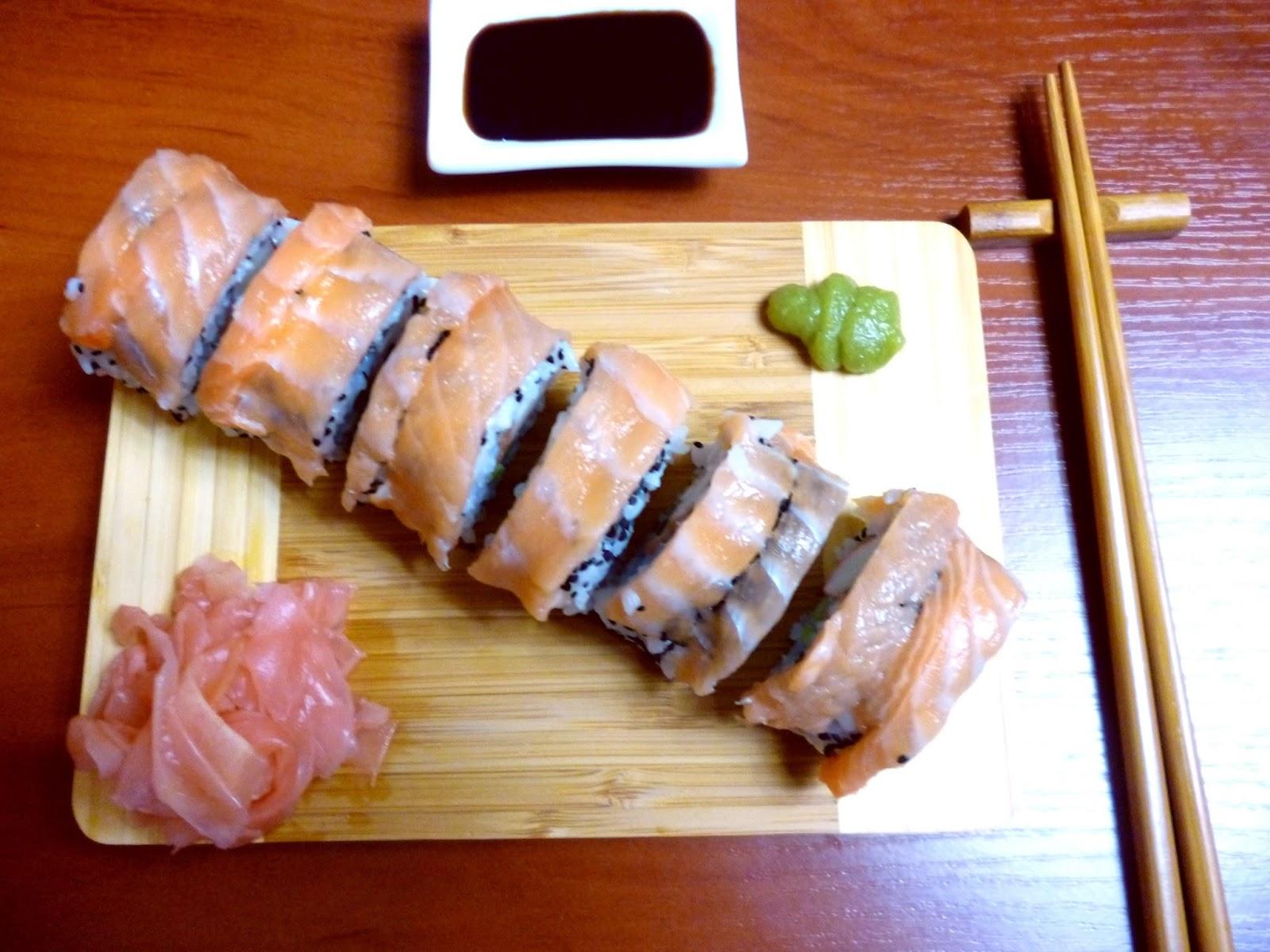 Przepis na sushi - California Roll z łososiem