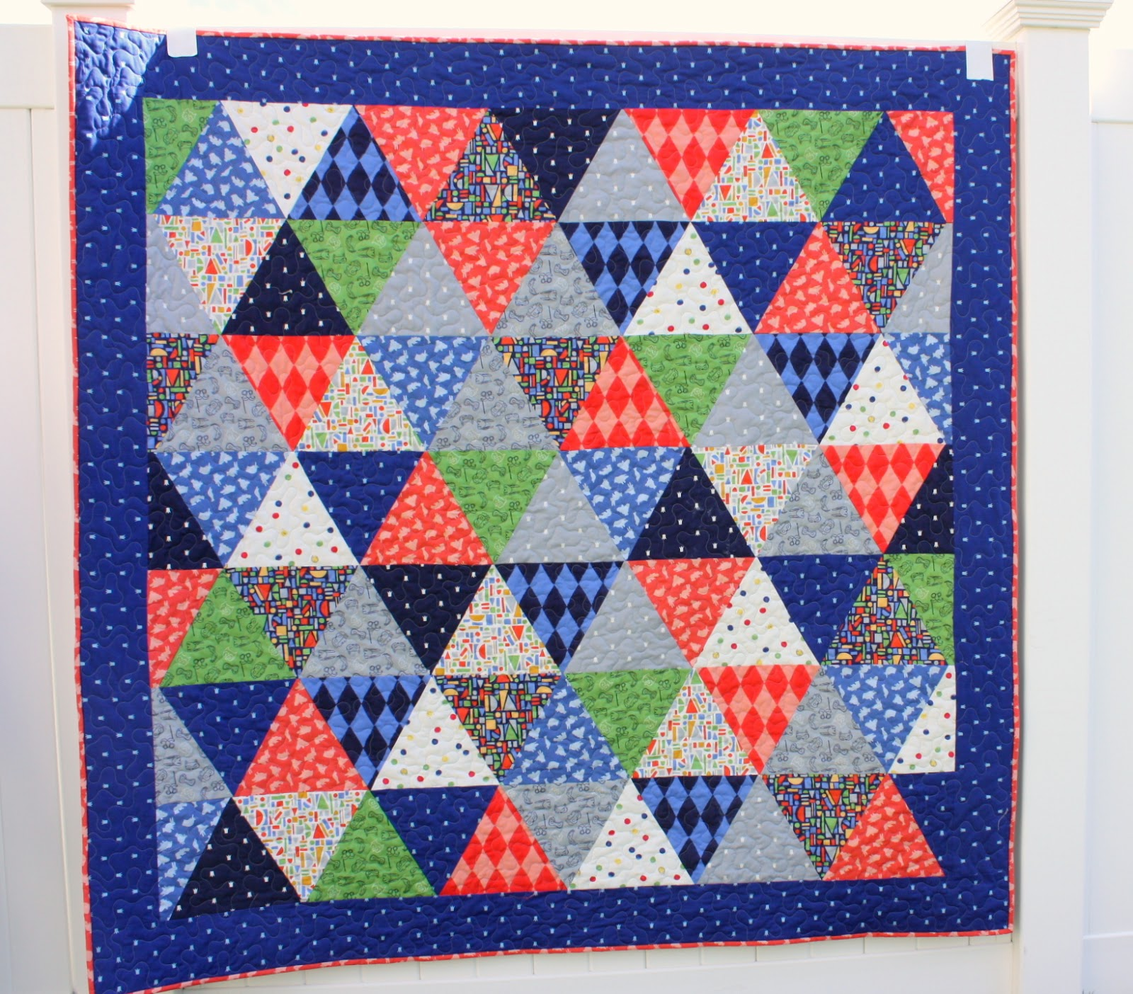 New Quilt + New Sarah Jane Collection - Diary of a Quilter - a ... : triangle quilt pattern free - Adamdwight.com