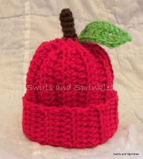 Swirls and Sprinkles: Easy crochet apple hat.