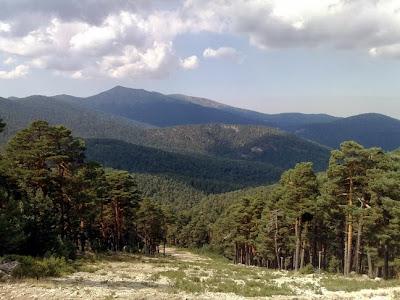 Vistas de la pista de esquí El Bosque desde el Camino Schmid