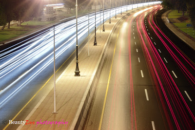 how to photograph light trails