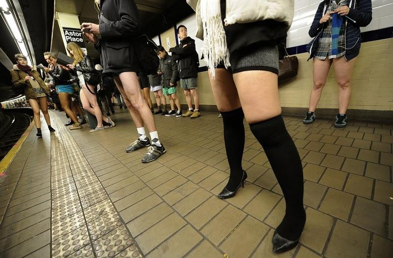 snimayut-yubki-v-metro