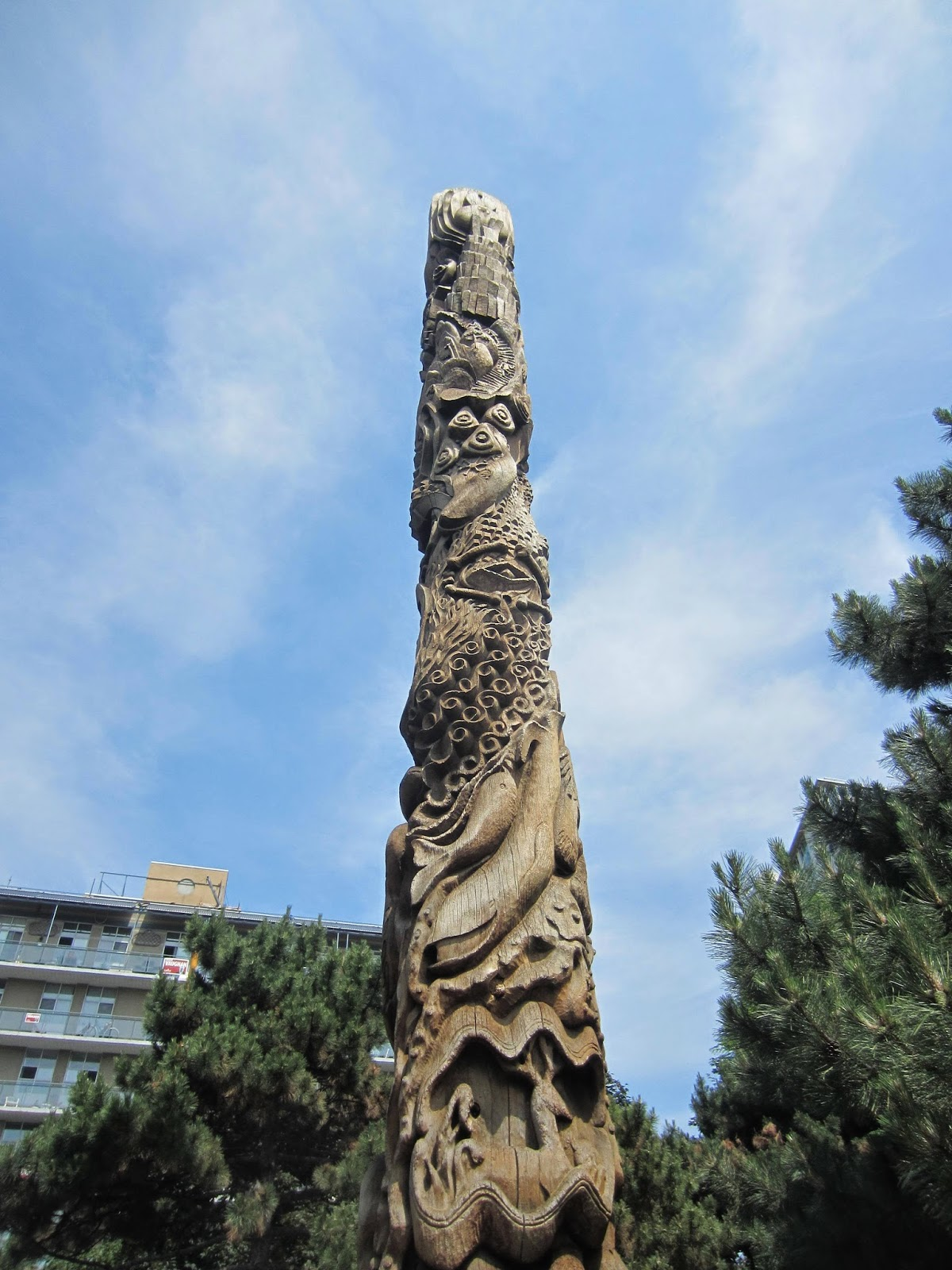 playground review little Norway park toronto, totem pole
