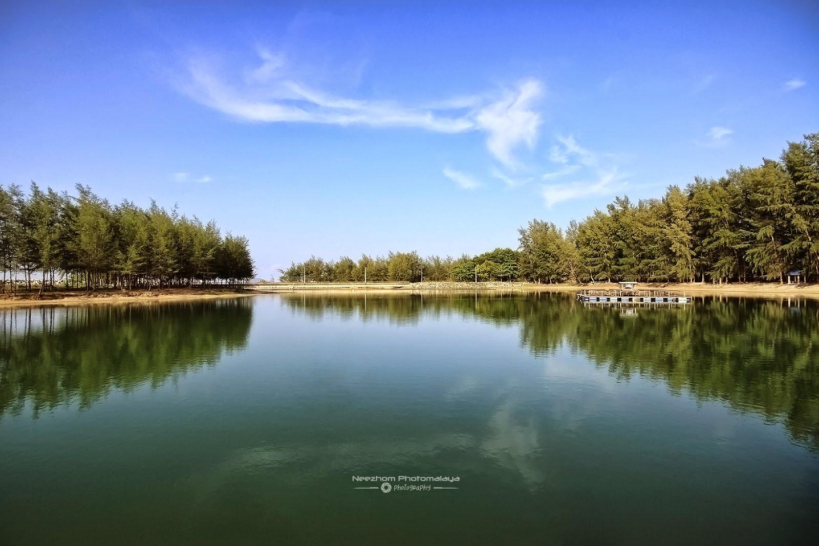 Lagun di Pantai Merang