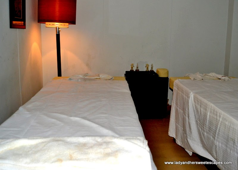 Ramada Jaipur massage room
