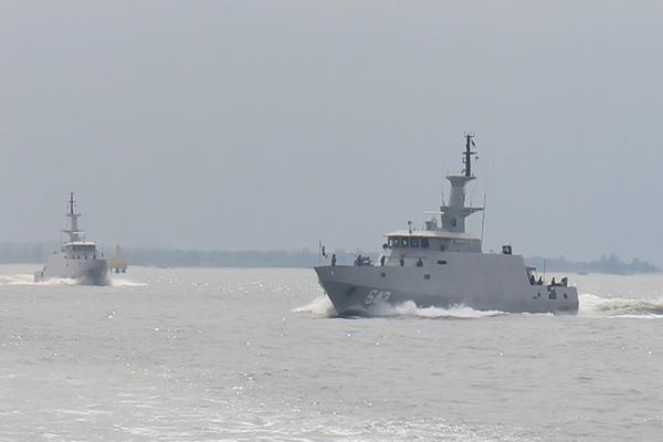 Tiga KCR-40 Produksi Nasional Lakukan Latihan Gabungan
