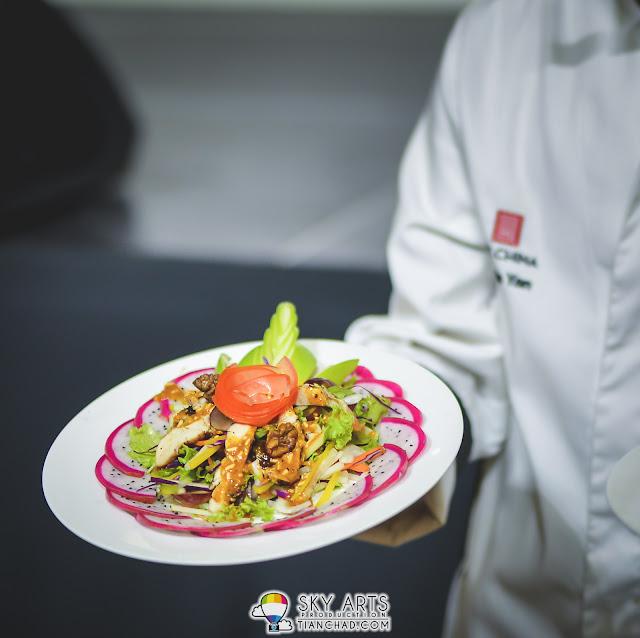 Martin Yan's  signature 'Chicken and Walnut Salad'