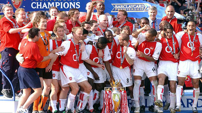 ARSENAL LEAGUE WINNERS - 2004