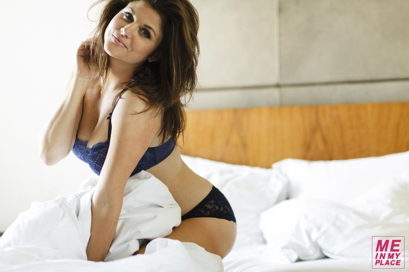 Tiffani Thiessen Esquire   s    Me In My Place    PhotoshootTiffani Thiessen 2013 Me In My Place