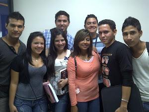 Un grupo bonito
