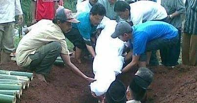 HARI INI AKU DIMAKAMKAN !!! | @ilyasAndika [Blogger] Subang - Jawa ...