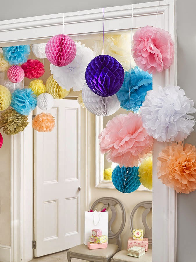 Easy homemade Christmas decorations pom-poms
