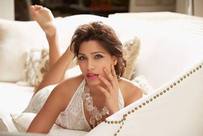 Freida Pinto's Gourgeous photo shoot Gala Magazine
