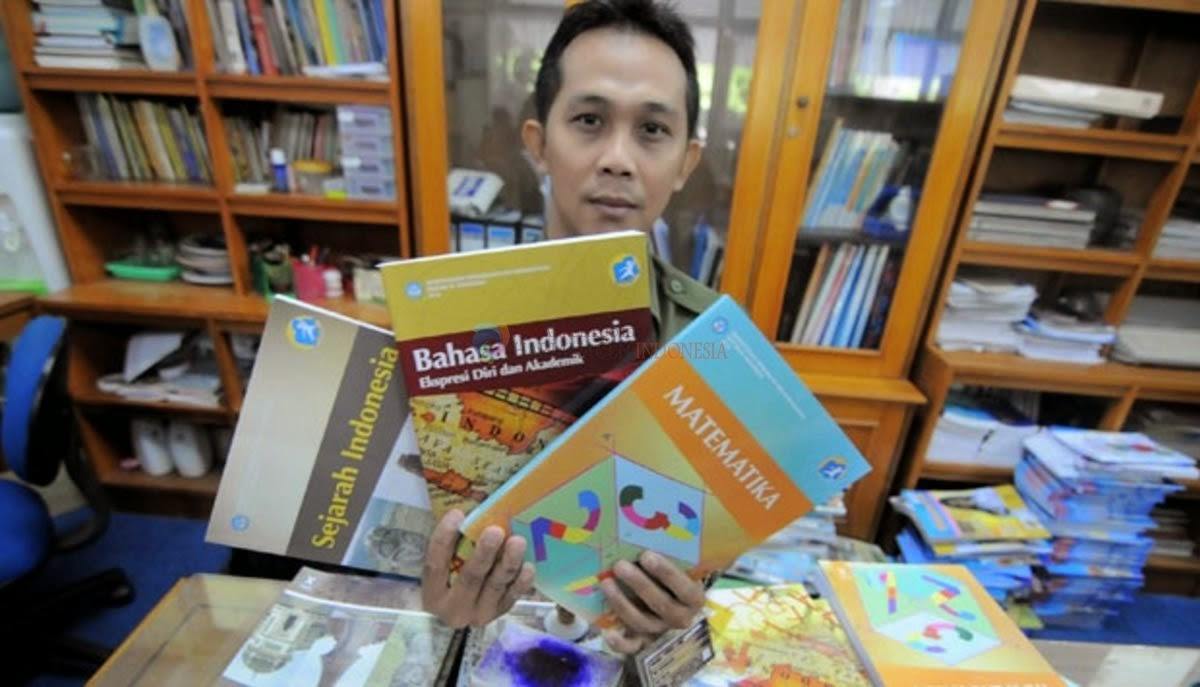 Distribusi buku kurikulum 2013 belum berjalan maksimal.  Banyak sekolah ternyata belum menerima buku tersebut