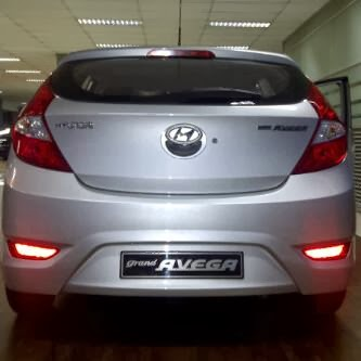 Hyundai Grand Avega Bag. Belakang