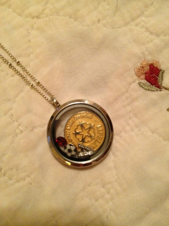 Origami Owl Necklace http://valerieharriss.blogspot.com/