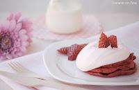 Tortitas de yogur con mascarpone y fresas