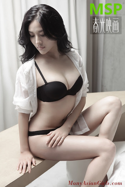 Quian Zheng Qiu Profile and Photos Gallery