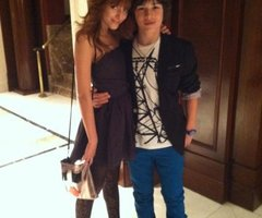 Eu hein  abusada at  233  de mais em  Leo Howard And Bella Thorne
