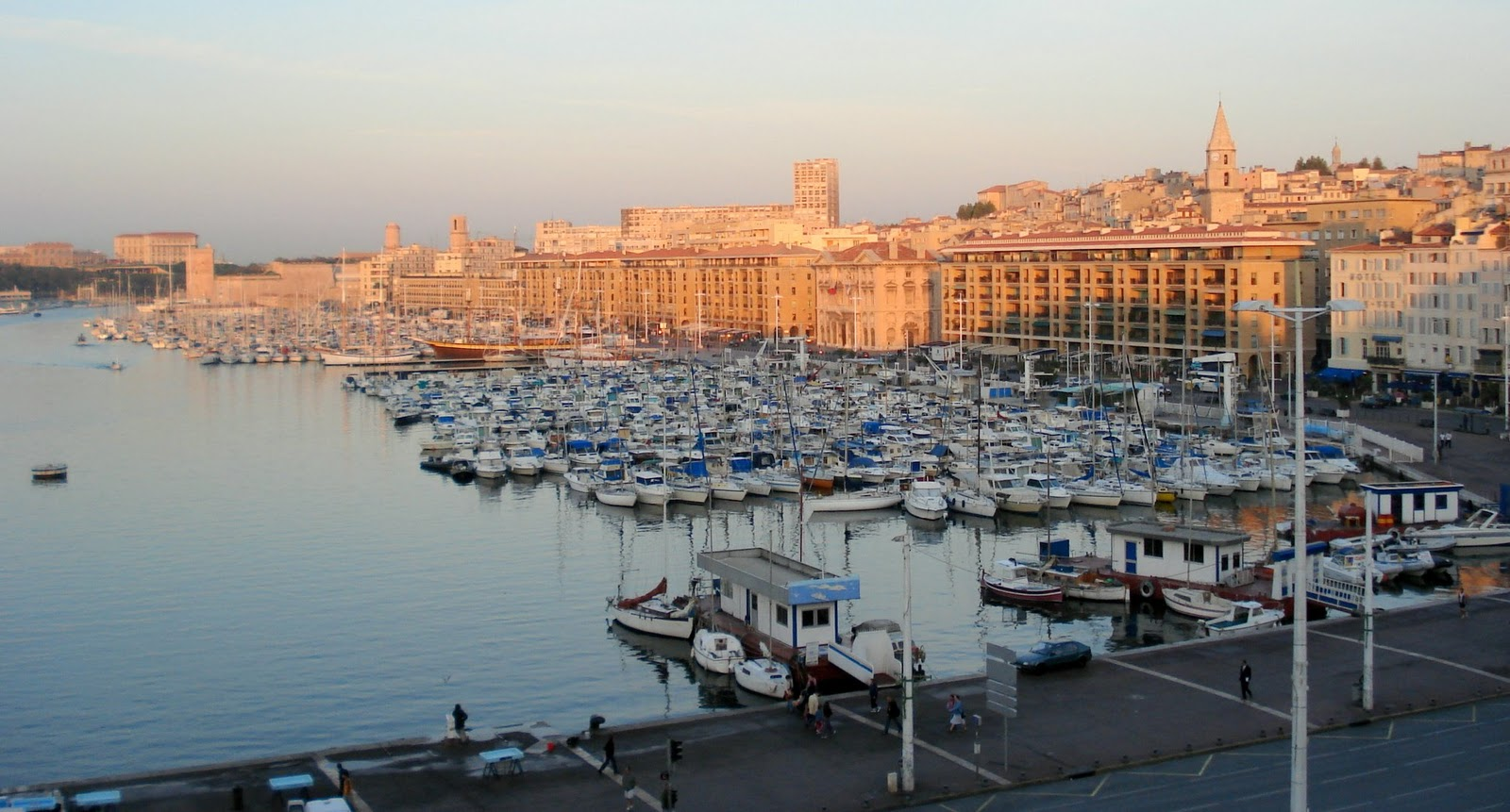 Traveler Guide Marseille France