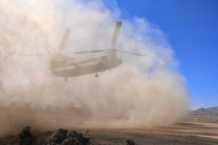 CHINOOK HELICOPTER PICKS UP TROOPS IN AFGHANISTAN