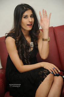 Actress-Sabha-Stills-at-Everydaypopcorn-Website-Launch