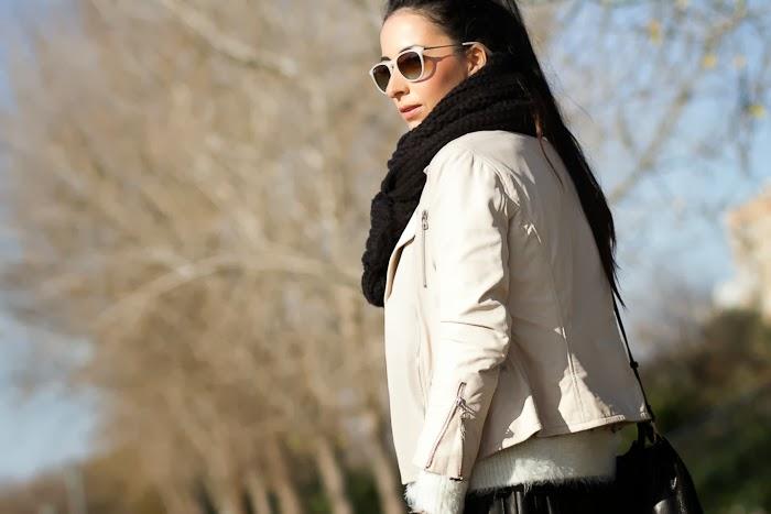 Blog Moda Chaqueta perfecto cuero blanco y rosa maquillaje