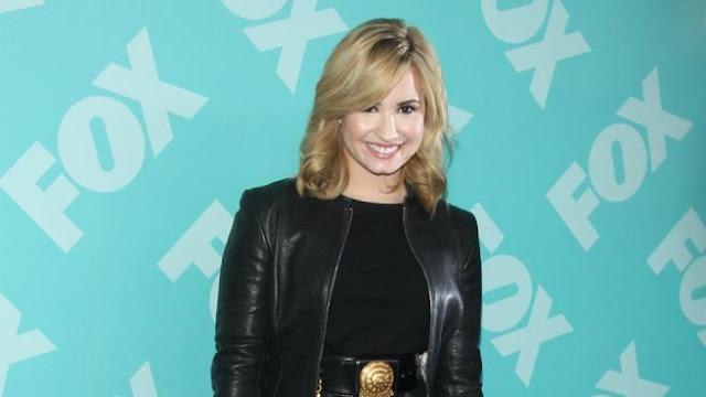 ARTS AND ENTERTAINMENT, Celebrity, Gossip, Latest Celebrity Gossip, Demi Lovato, praises, Selena Gomez