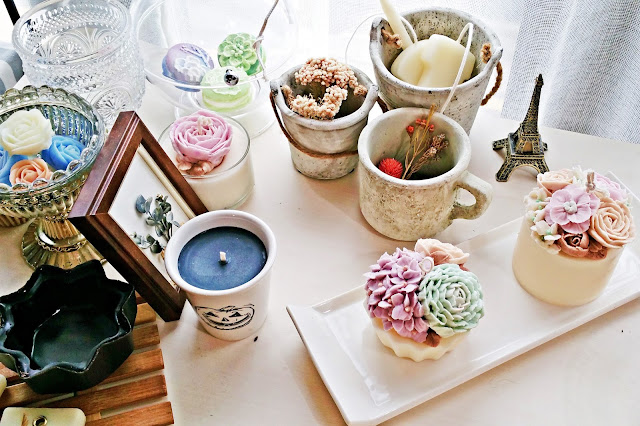 Lovely~! The studio also displaying beautiful flowers candles and soaps | www.meheartseoul.blogspot.com