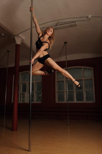 Иллюстрации и видеоролики из базы фотобанка лори вы dancer, body, uv, dance, gymnast, model, pilon, pole, adult