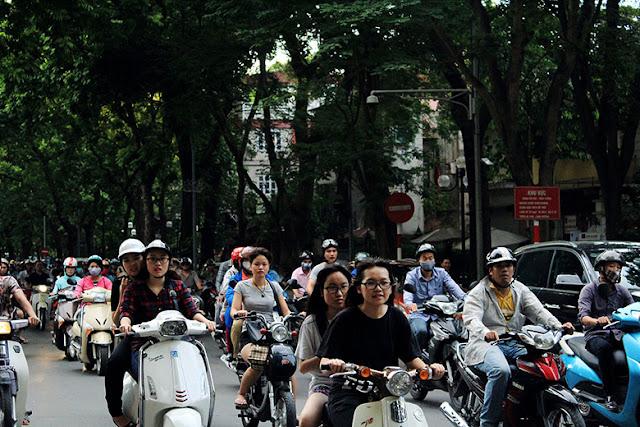 Tráfico de motos en Hanoi